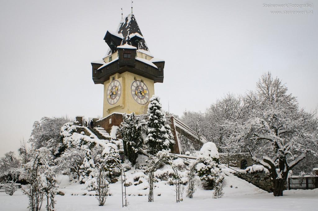 Rosengarten Uhrturm Schloßberg Schnee
