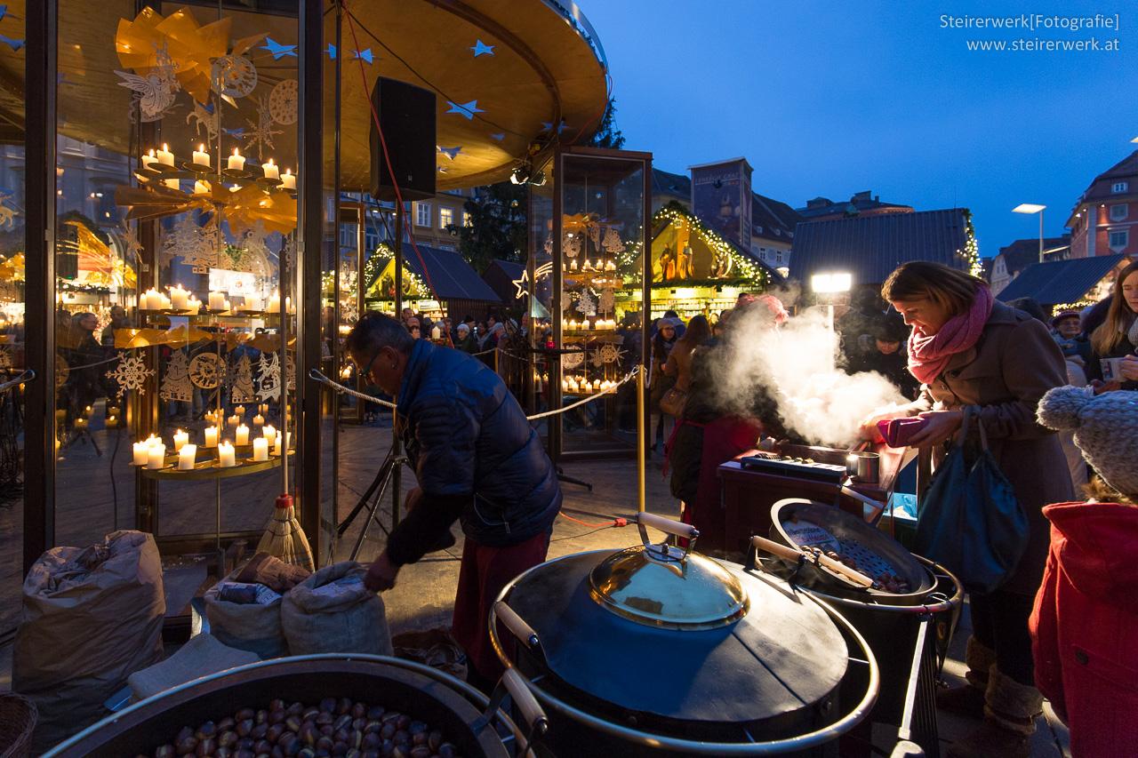 Heiße Maroni in Graz essen