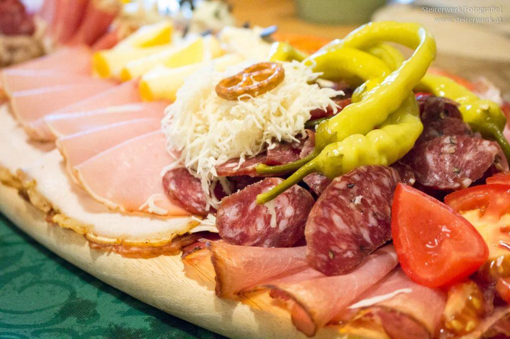 Essen in Grazer Buschenschank